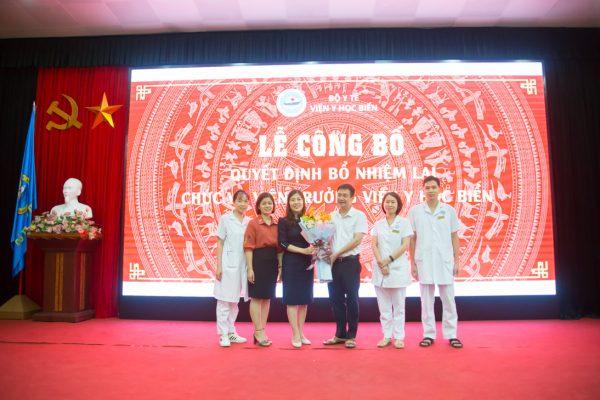 Ban Chấp hành Công đoàn Viện Y học biển chúc mừng đồng chí Trần Thị Quỳnh Chi